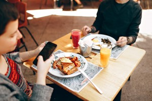 breakfast-brunch-cell-phone-693269